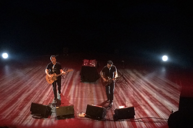 Mark hoppus, matt skiba, blink 182 - rose theatre - kingston